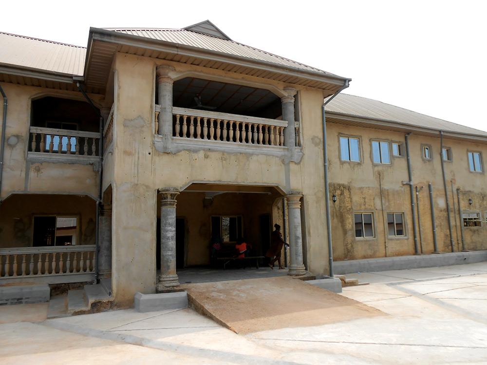 Nigeria-Renovierte-Gebäude